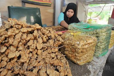 Sate ikan Ning yang beralamat di Kampung Bukit Berangan, Tepoh dan