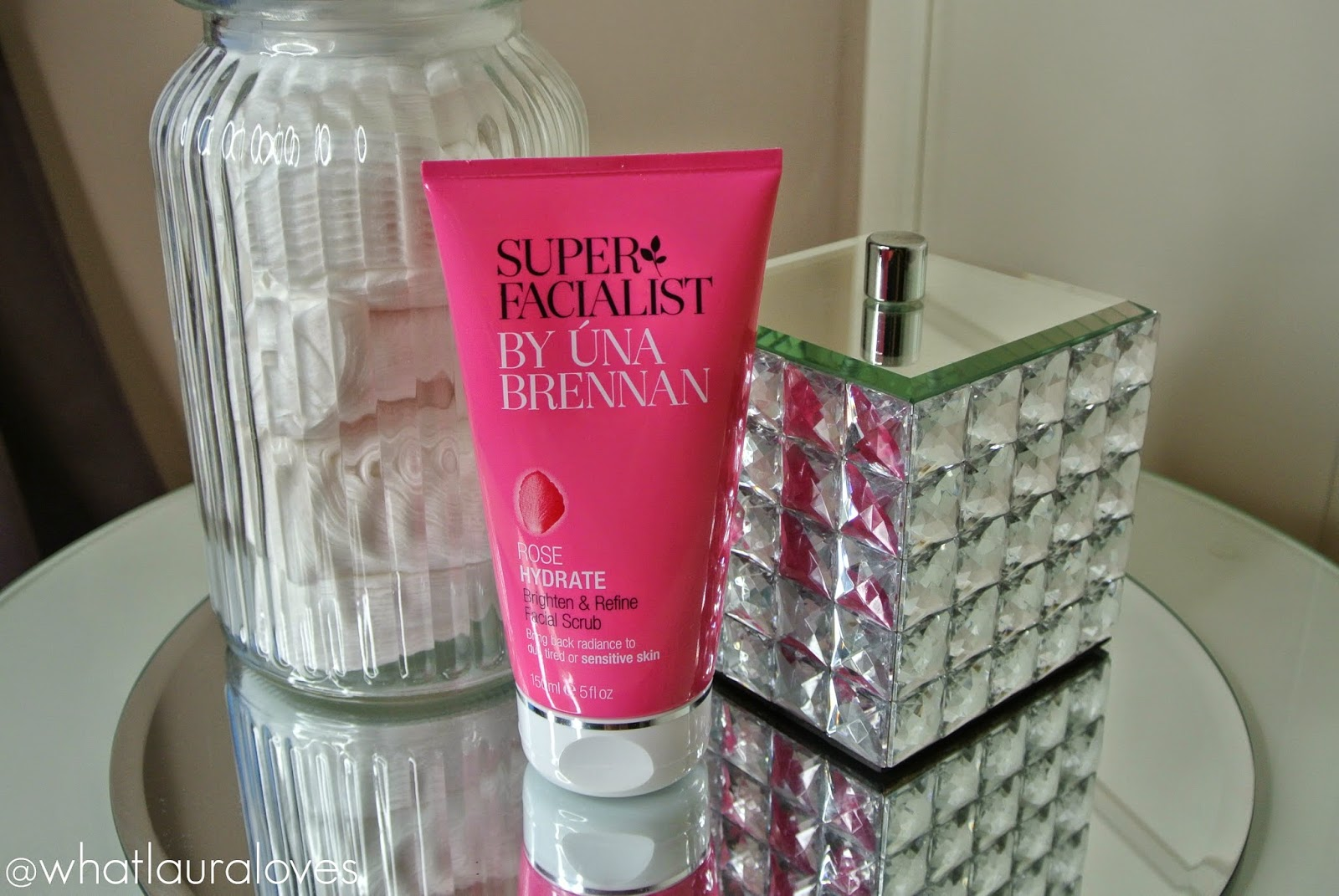 Super Facialist by Una Brennan Rose Hydrate Brighten and Refine Facial Scrub Review