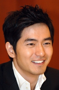 Biodata Lee Jin Wook Pemeran Crown Prince So Hyun