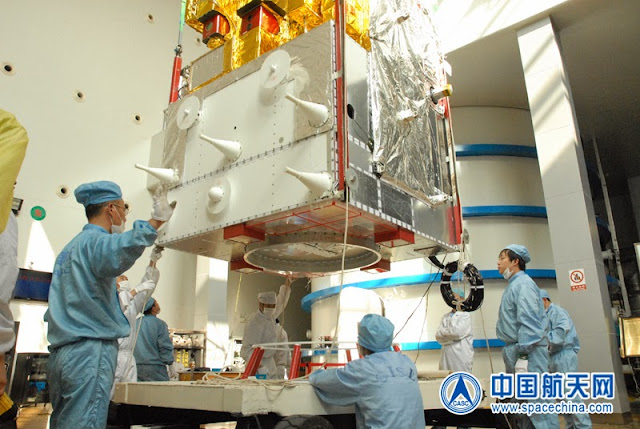 Scientists working on Feng Yun-3C satellite. Credit: spacechina.com