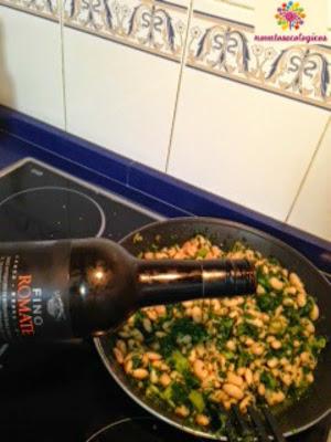 alubias rociadas con vino fino