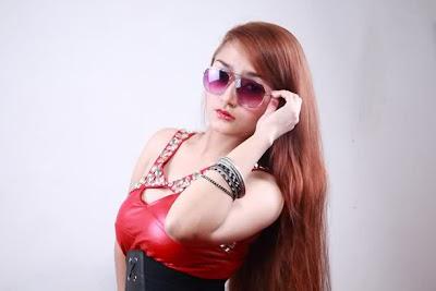 siti+badriah1 Foto Hot, Biodata dan Profil Siti Badriah Musisi Pendatang Baru