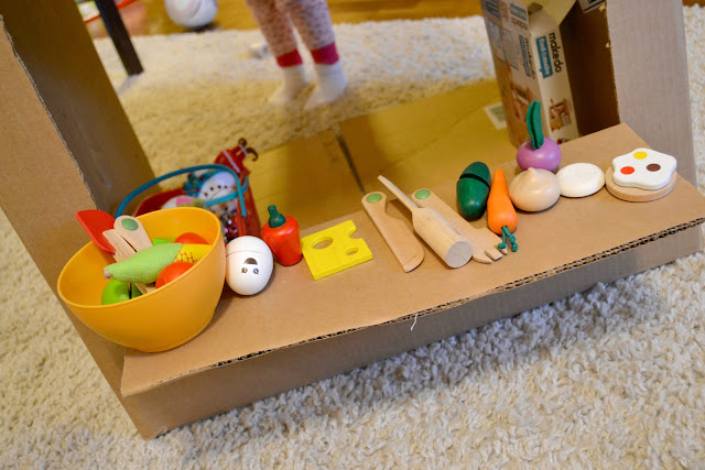 makedo, cardboard box play, makedo kits, makedo review, cardboard box market, buy makedo kits, makedo find and make review,