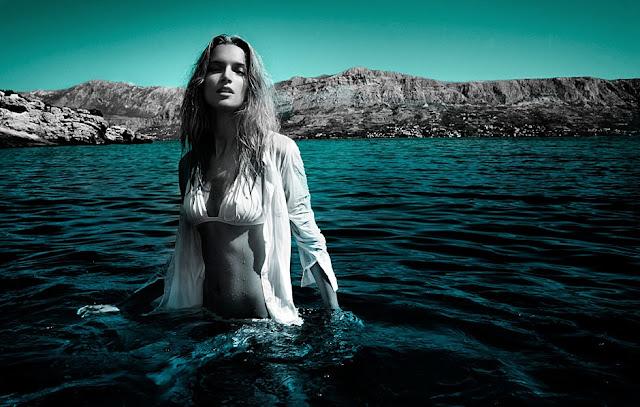 HOTTT PhotoShoot: Siren Song