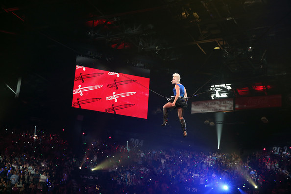 File:Kaitlyn vs Natalya live event 2012.jpg - Wikimedia Commons