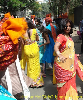 hindu single women in pe ell India's daughter, a powerful it shows how for the next 30 days across india, women and men demonstrated on the streets of the country's cities.