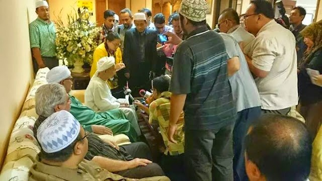TG Nik Aziz sokong keputusan Pas Pusat namakan dua calon MB