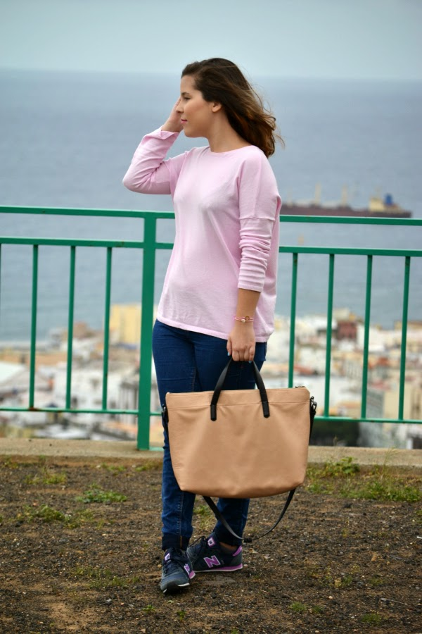 look_outfit_jersey_rosa_pastel_new_balance_chica_nudelolablog_05