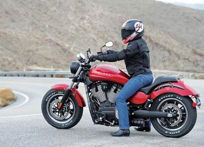 Victory Judge moto inspirada nos muscle cars