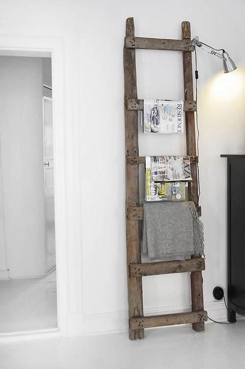 escalera madera revistero