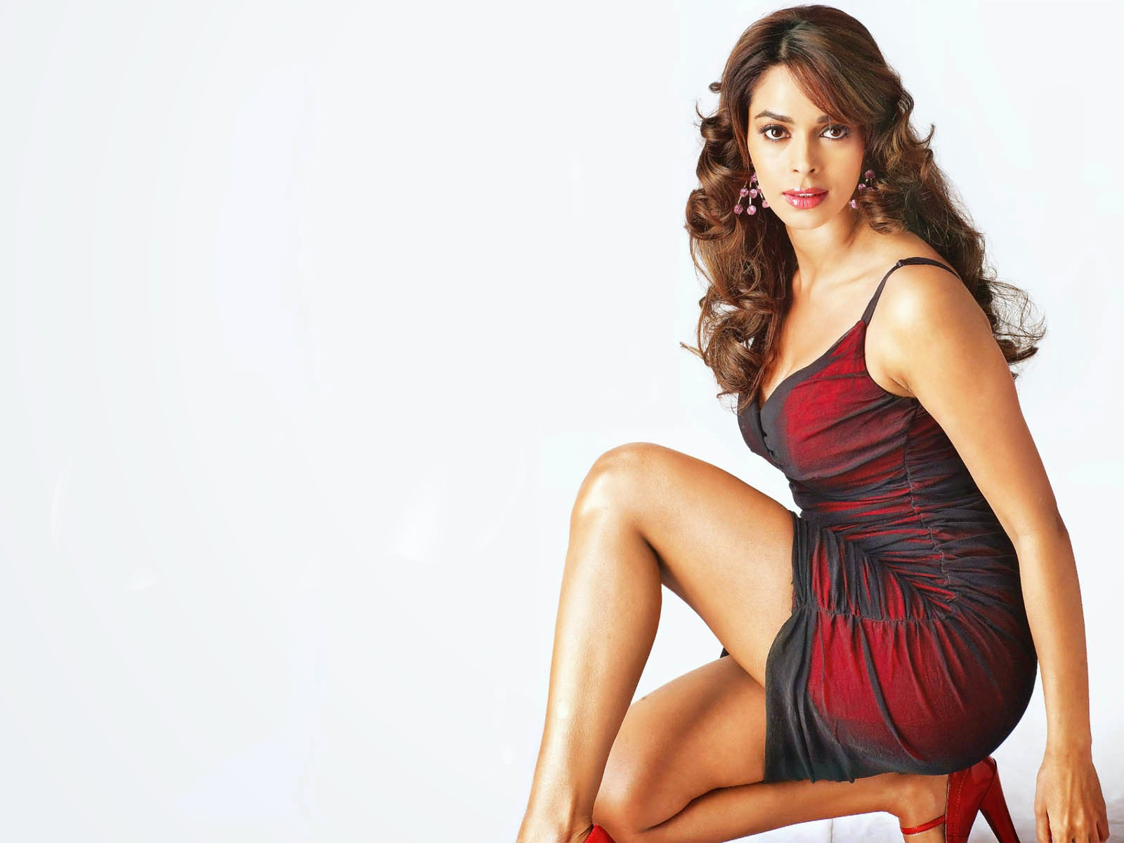 Mallika sherawat 1080P HD amazing wallpapers