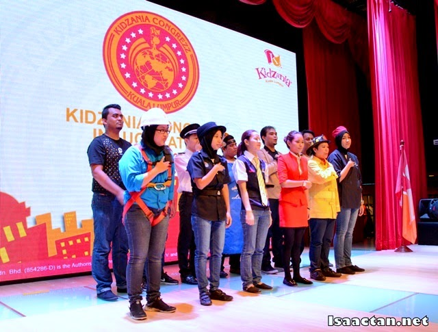 KidZania's staff singing the KidZanian anthem
