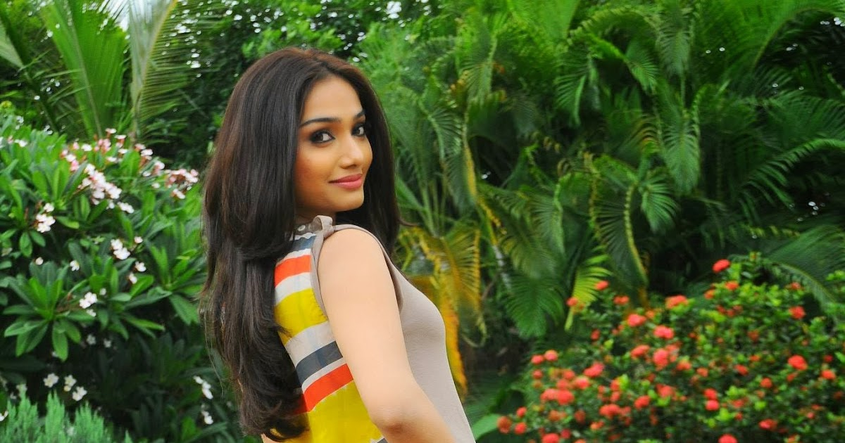 Aishwarya Devan Latest Hot Cute PhotoShoot Stills | Latest ...