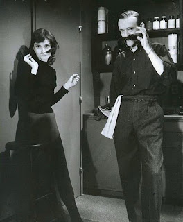 Los bigotes de Fred Astaire y Audrey Hepburn