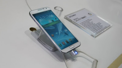 Samsung Galaxy Note 2 charging