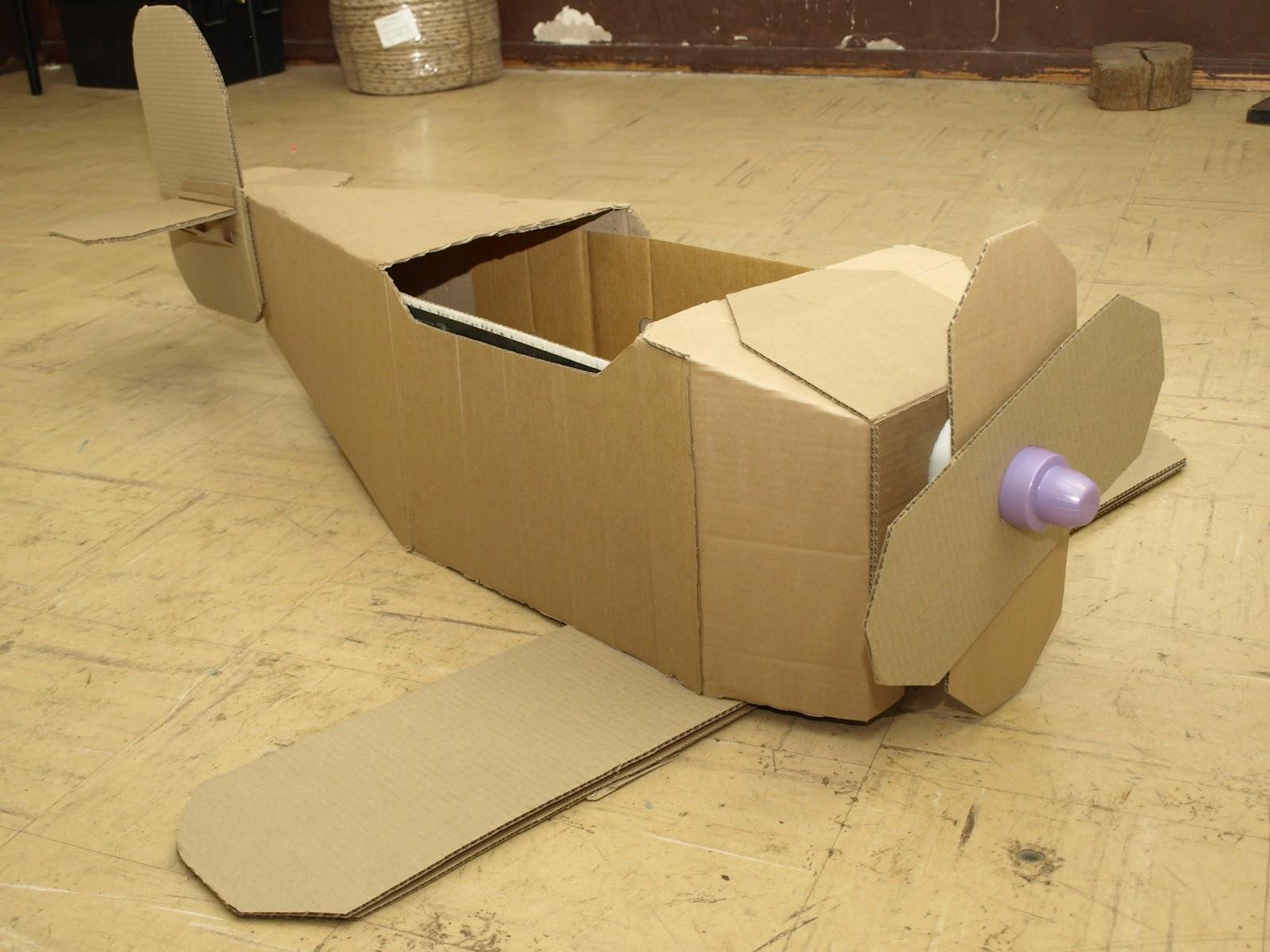 Как сделать из картона и коробка самолет