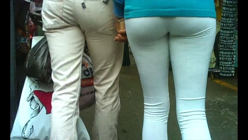 Gran culo en apretado