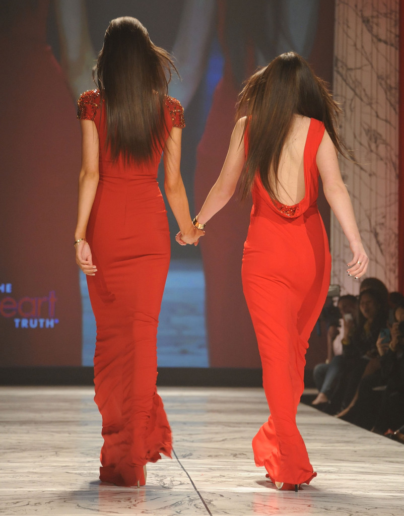 Kendall Jenner Hot Stills At The Heart Truth 2013 Fashion Show In Nyc World Actress Photos