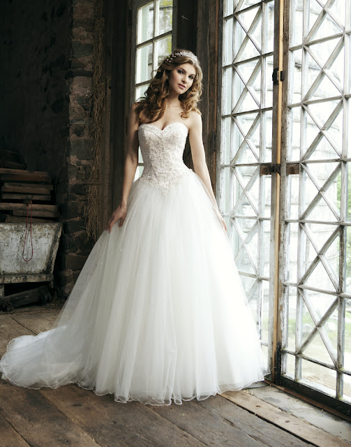 Fashion Is My Drug: Dream Wedding Dress Part 1 - Princess Dress