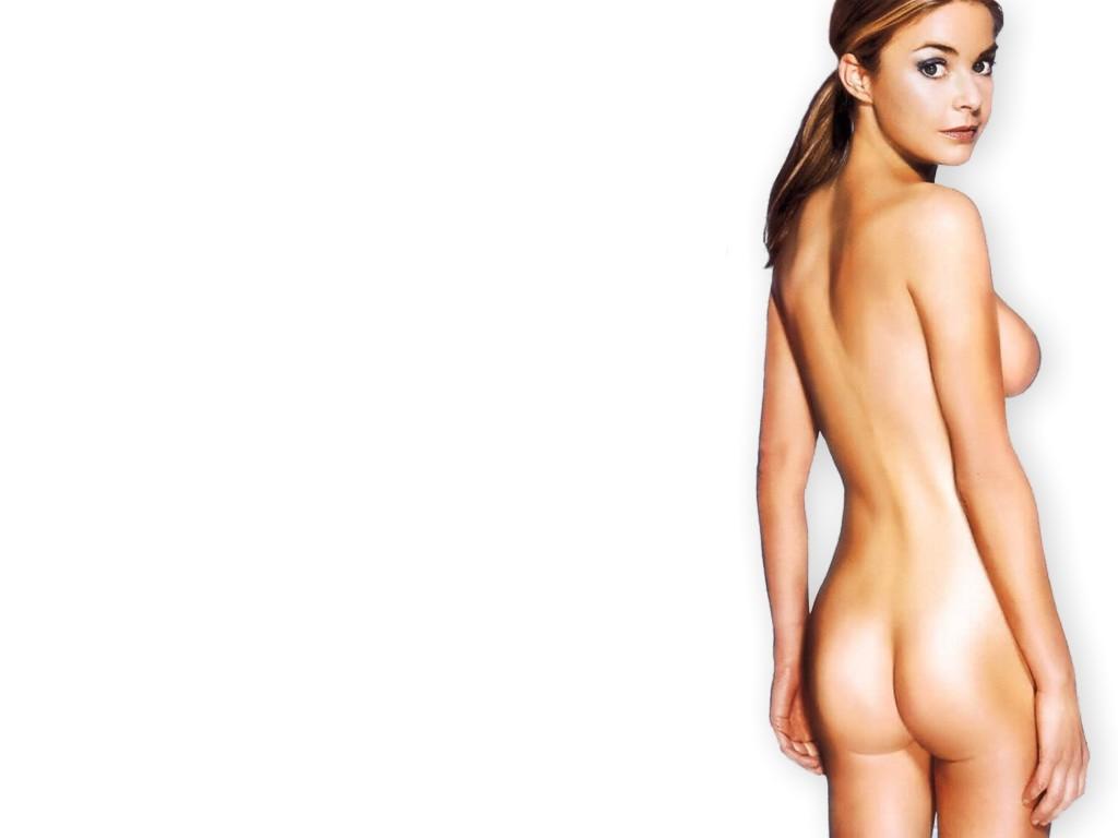 naked sakura showing boobs