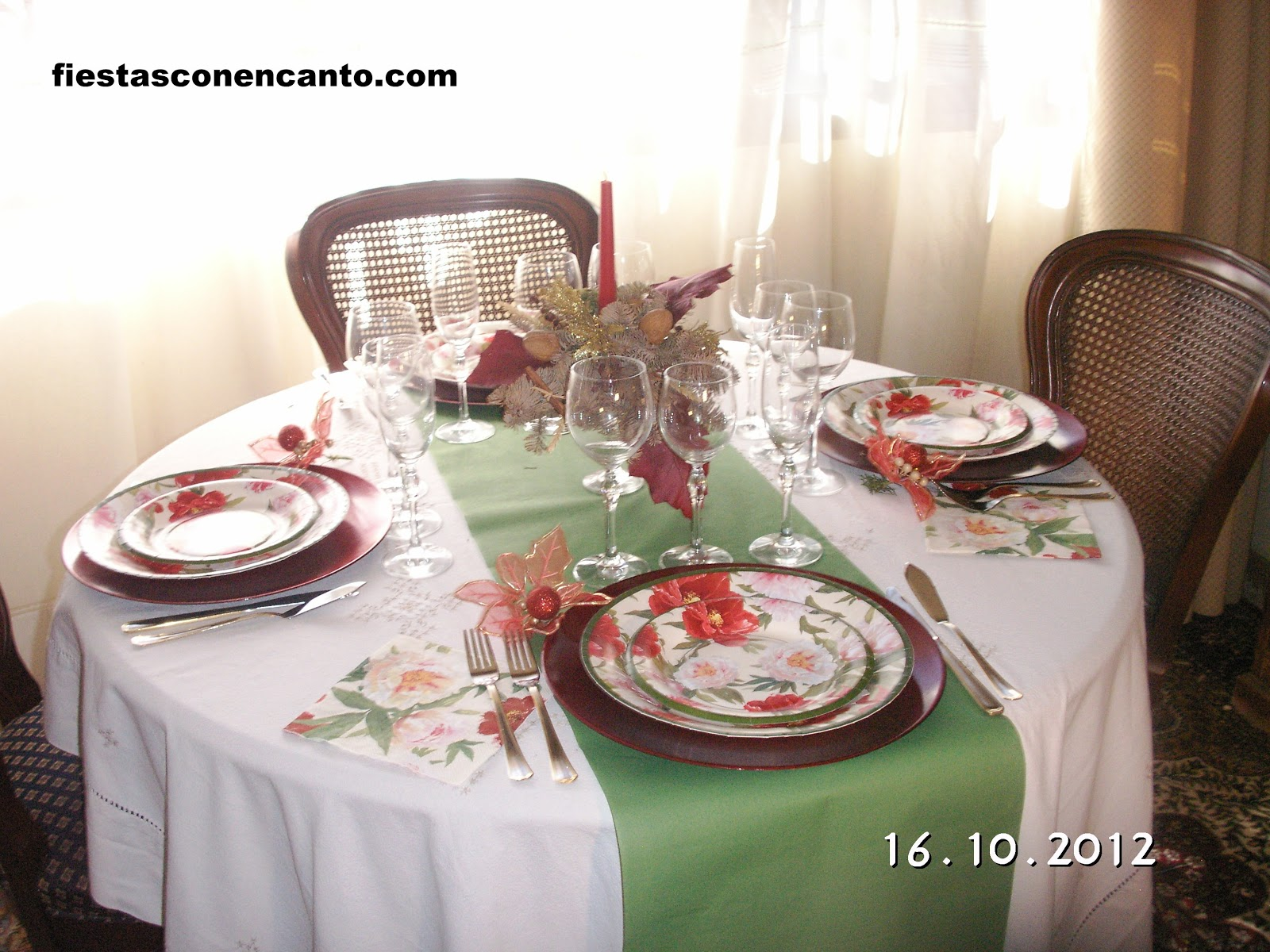Fiestas con encanto decoraci n mesa navidad rojo y verde - Decoracion navidad mesa ...