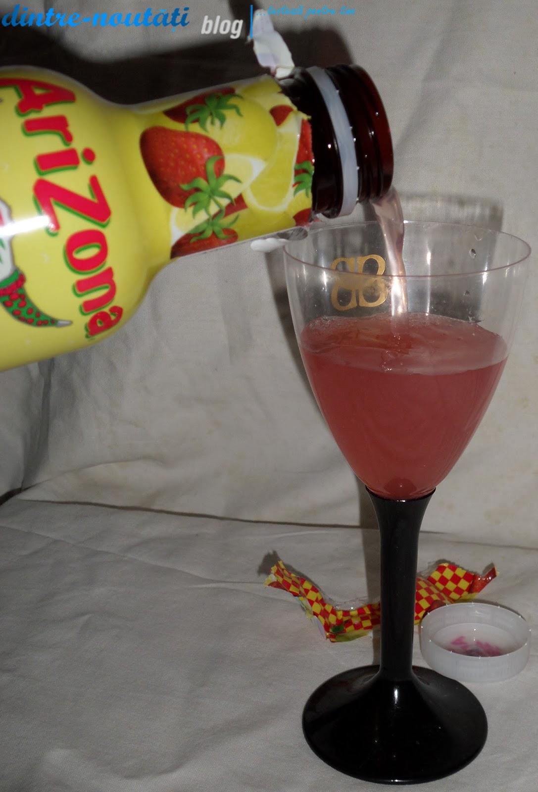 AriZona Cowboy Cocktail Strawberry Lemonade -Limonadă cu căpșuni- Băutură răcoritoare necarbogazoasă cu conținut de fructe 10,1%