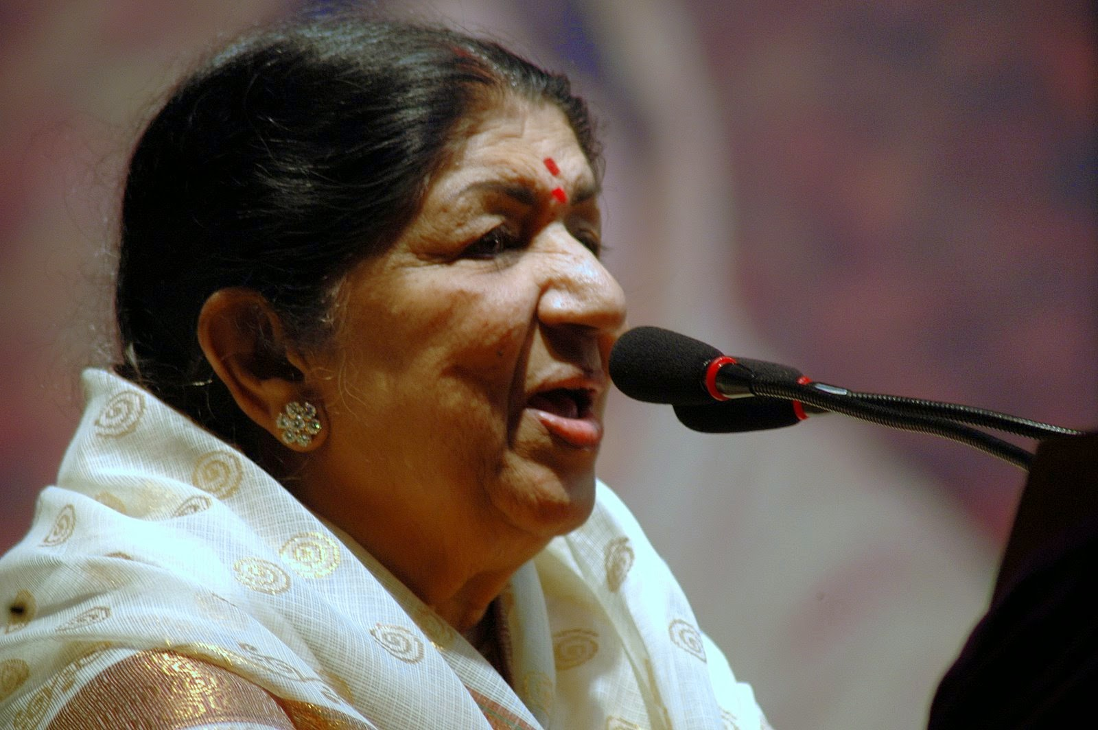 information about lata mangeshkar Lata mangeshkar is the most versatile plyback singer of india she holds the record for the maximum number of songs here are some interesting facts about her.
