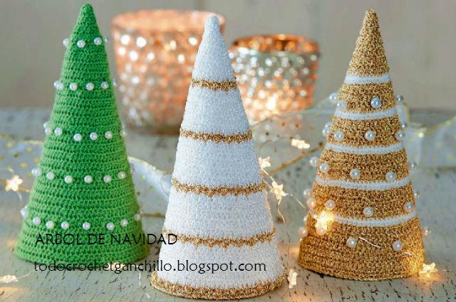 abeto de navidad tejido con gancho lurex y perlas