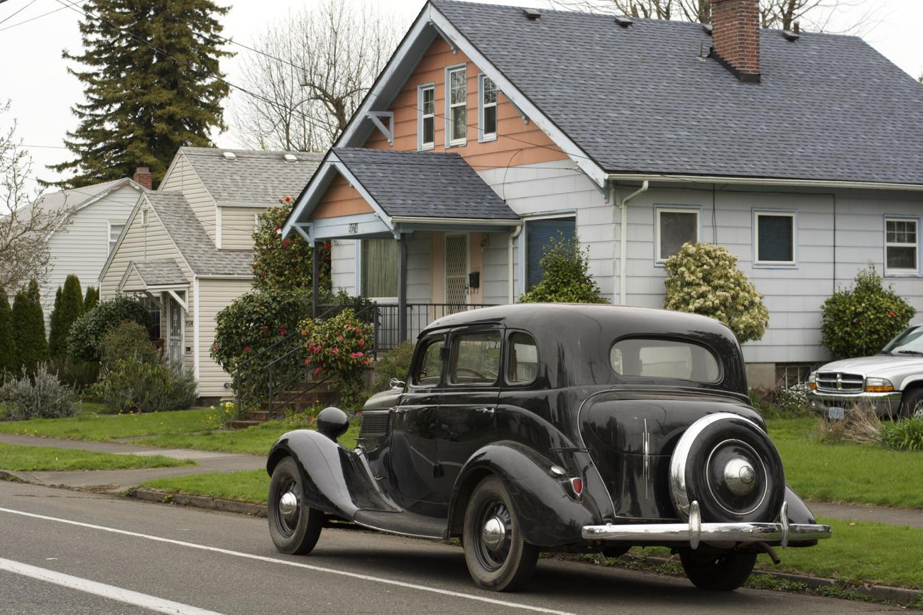 Old parked cars 1935 studebaker dictator for 1935 dodge 4 door sedan