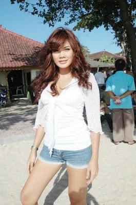 Artis hot Bandung
