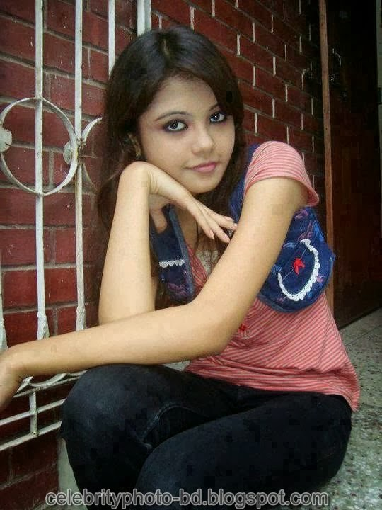 Deshi+girl+real+indianVillage+And+college+girl+Photos082