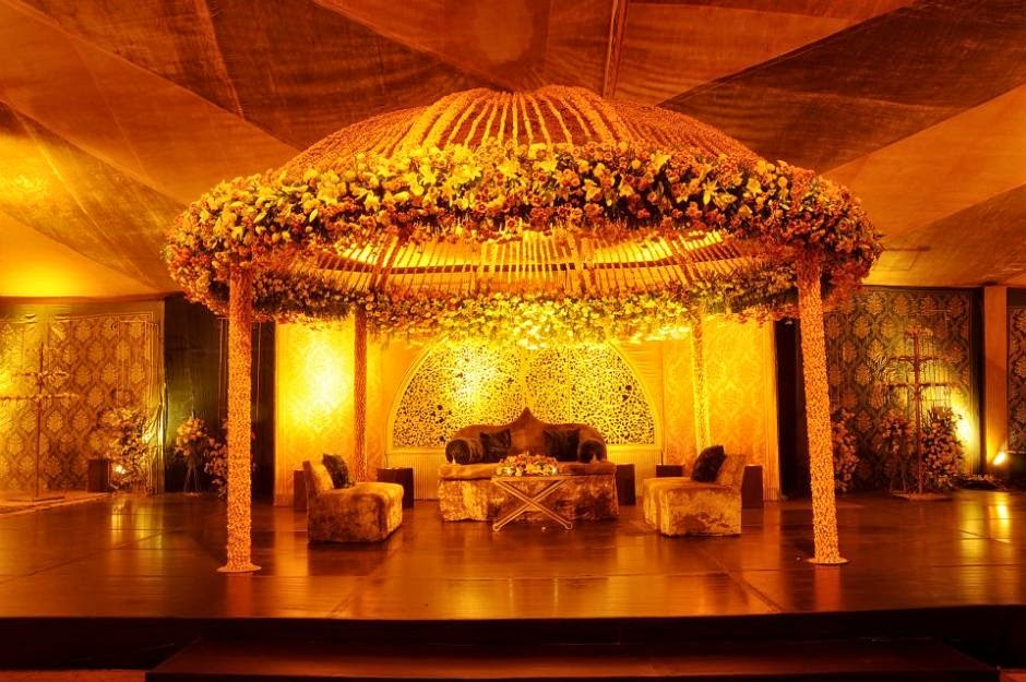 Latest flower decoration and various items in foods for Latest wedding decoration