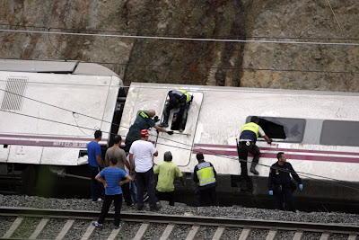 Deadly train crash in Spain photos