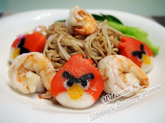 angry birds, instant noodles, mee goreng, enoki, prawns