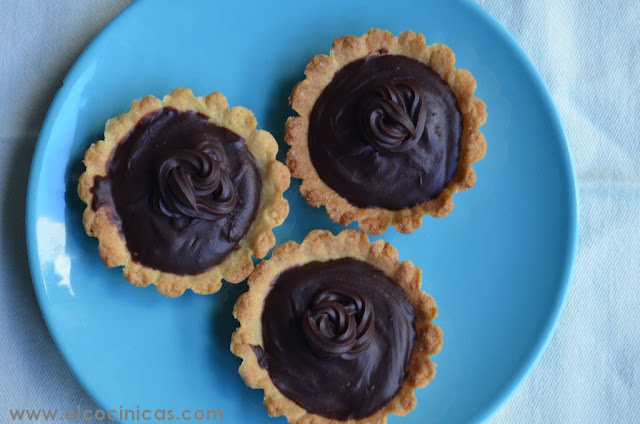 Tartaletas de chocolate y café