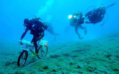Italian Breaks Underwater Cycling Record