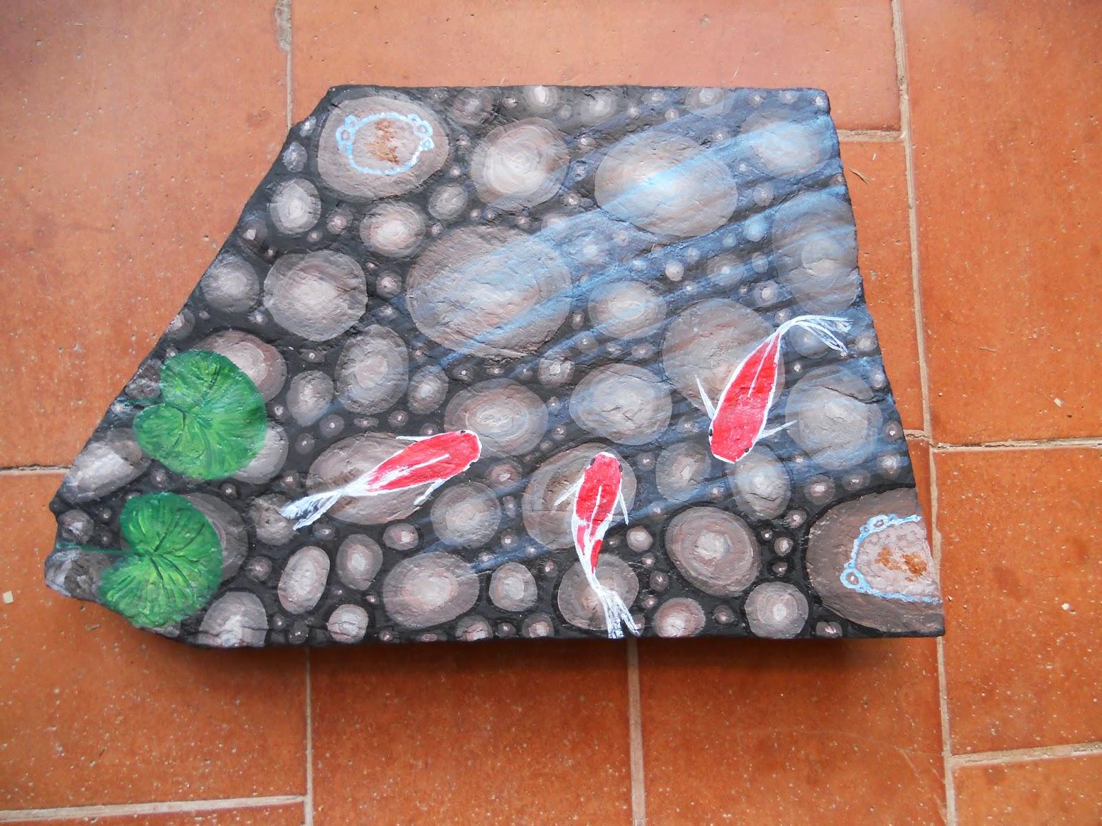 Piedras pintadas a mano: Estanque con carpas koi