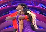 ss Robo Shankar and Sandhya performs in Movie Round