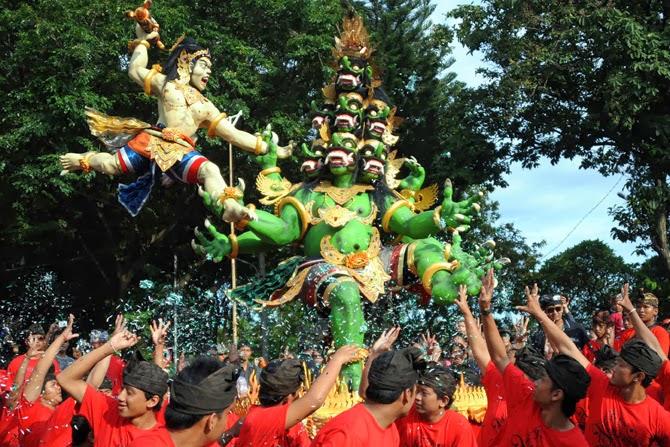 Ogoh ogoh, nyepi day, hari raya nyepi, Balinese New Year, Melasti, Tawur Kesanga, New Year