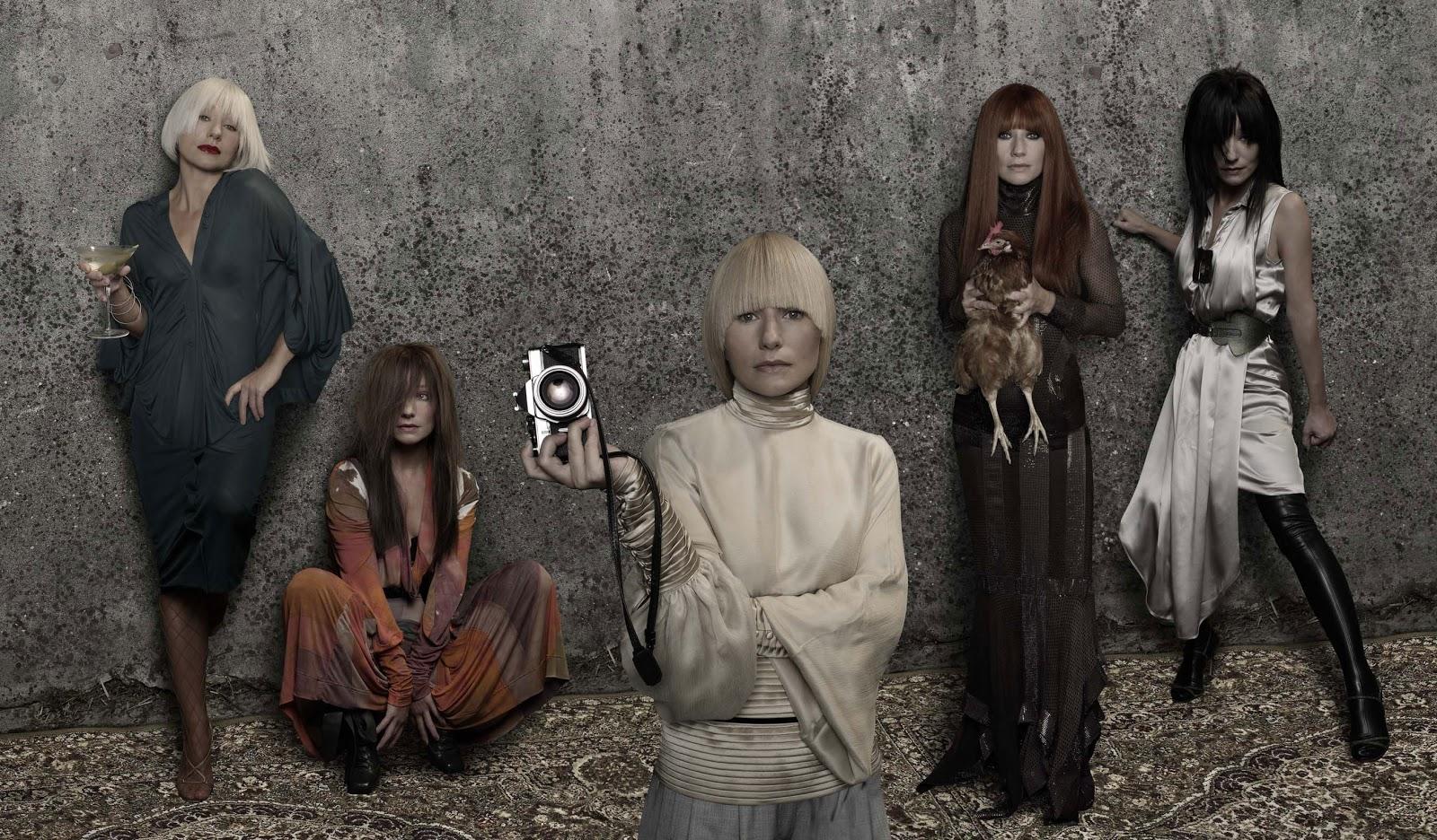 http://1.bp.blogspot.com/-KUVgtrAUbzo/ULtxUzn_-6I/AAAAAAAAktQ/d4urW94en6s/s1600/tori-amos-american-doll-posse.jpg