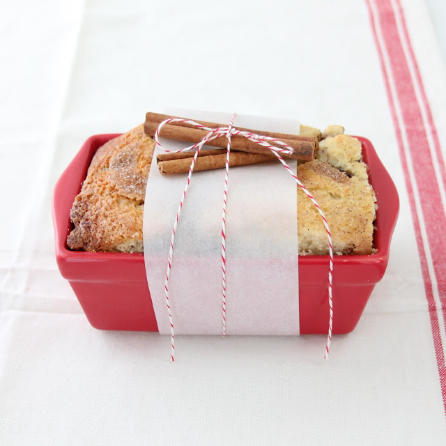 Homemade Christmas gift idea with easy cinnamon bread recipe
