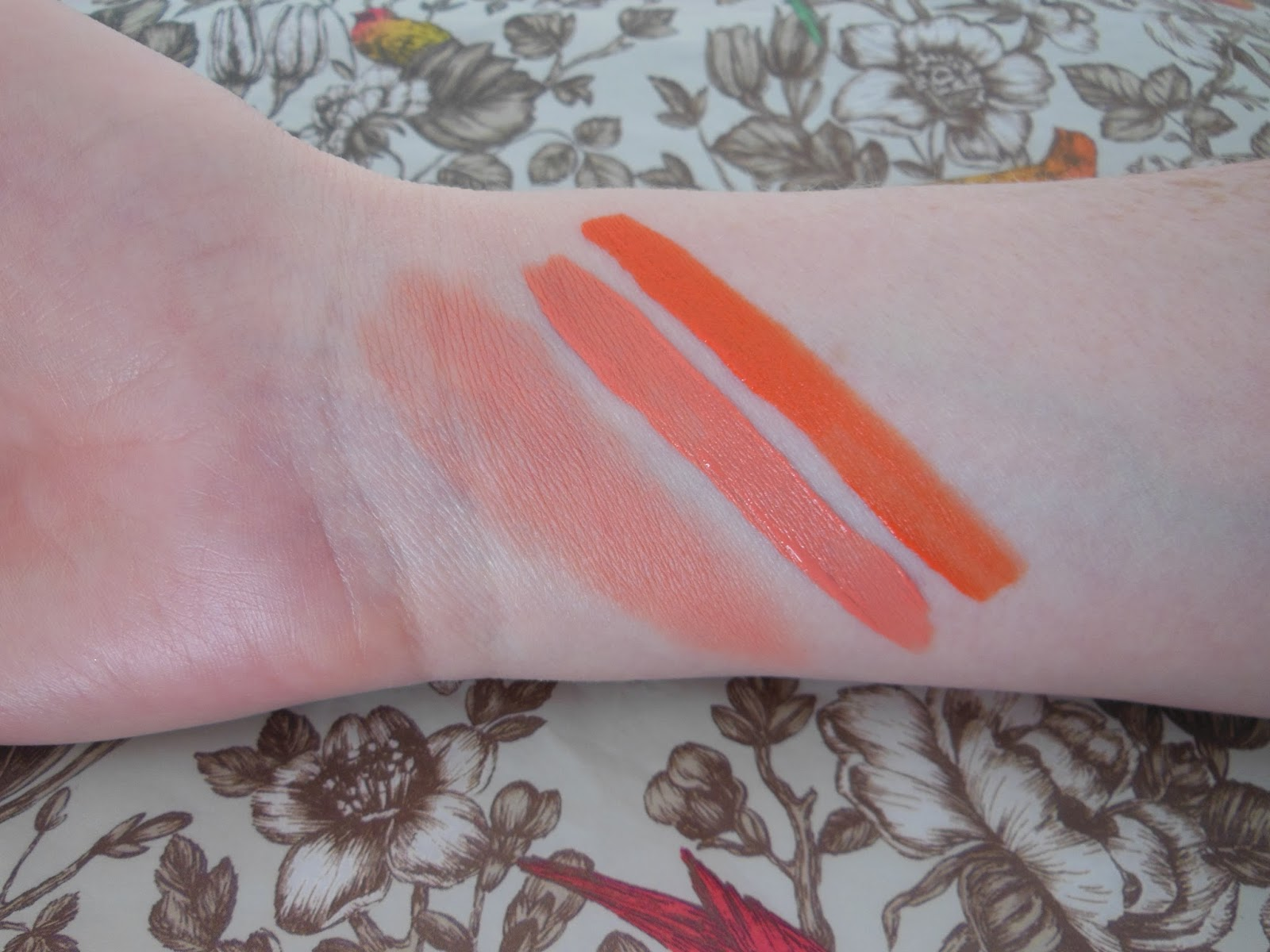 Illamasqua Velvet Blusher Flirtatious and Matte Lip Liquid surrender and exotic swatches