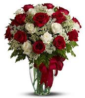 bunga valentine dengan vas kaca
