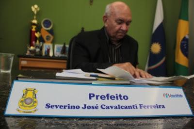 Severino Cavalcanti - Um Asno