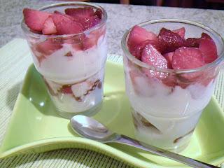 bicchierini fragole e yogurt greco