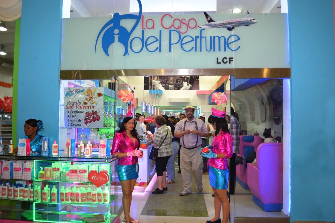 Las sociales y espectaculos la casa del perfume engalana du sucursal en megacentro - Perfumes en casa ...