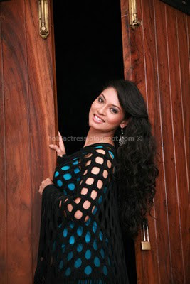 Actress pooja latest photoshoot images