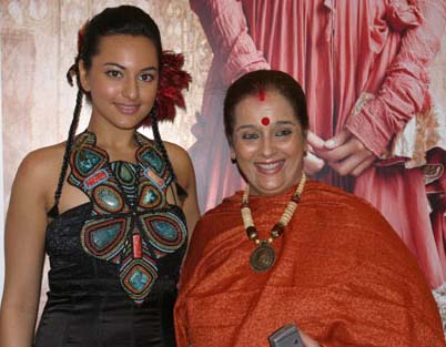 Sonakshi Sinha with mother