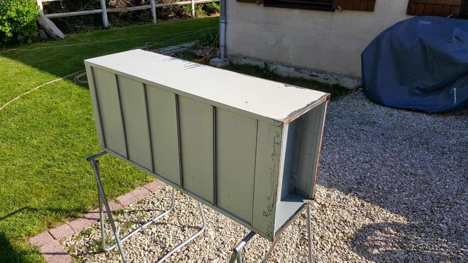 L 39 atelier de quentin - Decaper un vestiaire metallique ...