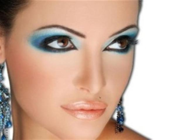 Blue Smokey Eye make up